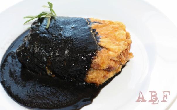 Merluza rellena en salsa de chipiron