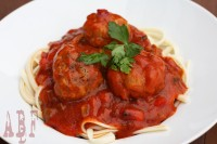 espaguetis albondigas