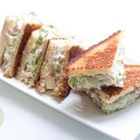 Sandwich de atún y pepino